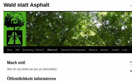 Bitte weiterleiten auf allen Kanälen & euren Mitmenschen erzählen!</p> <p>======</p> <p>Hallo ihr lieben,</p> <p>in der Nähe von Marburg soll ein weiteres unnützes Großprojekt gebaut werden.<br /> Eine neue Autobahn, die A49, soll nur 30km parallel zu einer  bestehenden durch das Trinkwasserschutzgebiet von Frankfurt und durch mehrere alte, wertvolle Eichenmischwälder geführt werden. Sie wird Wälder zerstören, das Trinkwasserbelasten, zu mehr Individualverkehr,  mehr Lärm, mehr CO2 führen, Ökosystem zerschneiden usw. Das ist  insbesondere heute natürlich völlig unötig, und wird auch von der  grünen Landesregierung weitergeführt, u.a. mit der Begründung, dass das bereits schon so lange geplant wird. Es scheint ihnen besser, ihre Fehler auch noch in Beton zu gießen, anstatt einzugestehen, dass die Planung nicht mehr gebraucht wird.</p> <p>Dagegen organisieren sich seit einigen Jahren Menschen aus der Region  und seit vergangenem September ist der Wald besetzt.</p> <p>**Die Menschen aus und um den Wald gehen davon aus, dass in den  nächsten zwei Wochen (Information vom 26.08.20), der Wald geräumt  werden wird, um ihn dann pünktlich zum 01.10. roden zu können. In den  letzten Tagen war bereits eine verstärkte Präsenz von CO2ps und Räumfahrzeugen zu beobachten.**</p> <p>Es gibt vor Ort zahlreiche Baumhäuser und die Menschen vor Ort können  noch mehr Unterstützung gebrauchen.<br /> Auf ihrem Blog findet ihr unterschiedliche Möglichkeiten sie zu unterstützen. Bald dort hinzufahren, am besten mit der eigenen  Bezugsgruppe, ist für die Menschen, denen das möglich ist wahrscheinlich die beste Möglichkeit.</p> <p>https://waldstattasphalt.blackblogs.org/unterstutzung